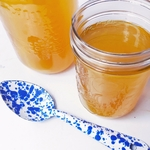 How_to_make_chicken_bone_broth_at_home.
