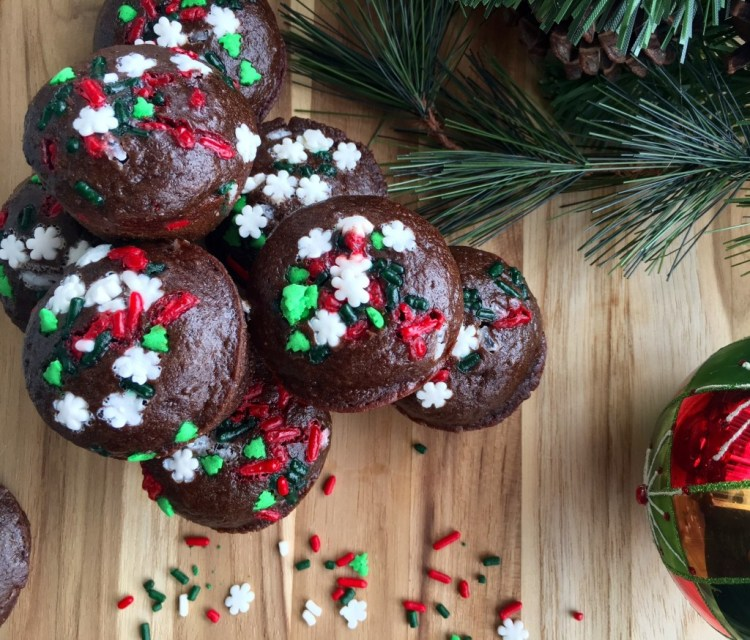 Holiday Low-Calorie Brownie Bites