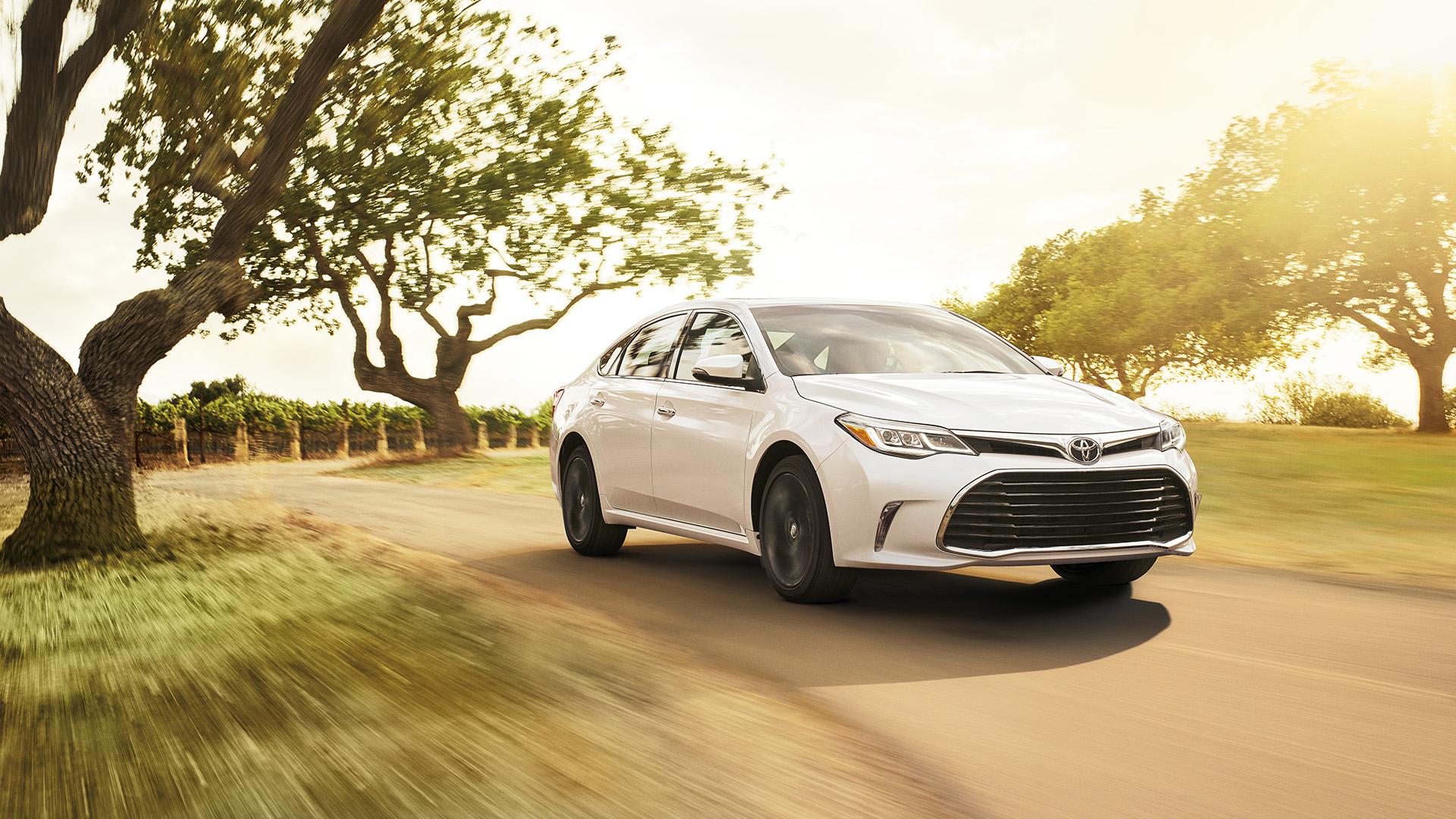 New Toyota Avalon Hybrid Specials Palatine IL
