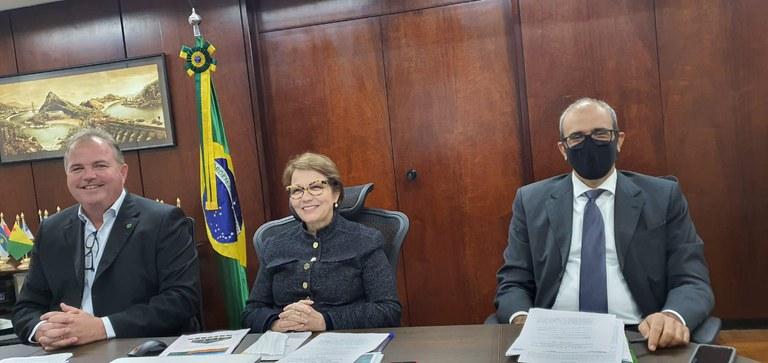 Ministra Tereza Cristina em Live sobre Agricultura Familiar para o Plano Safra 20/21.