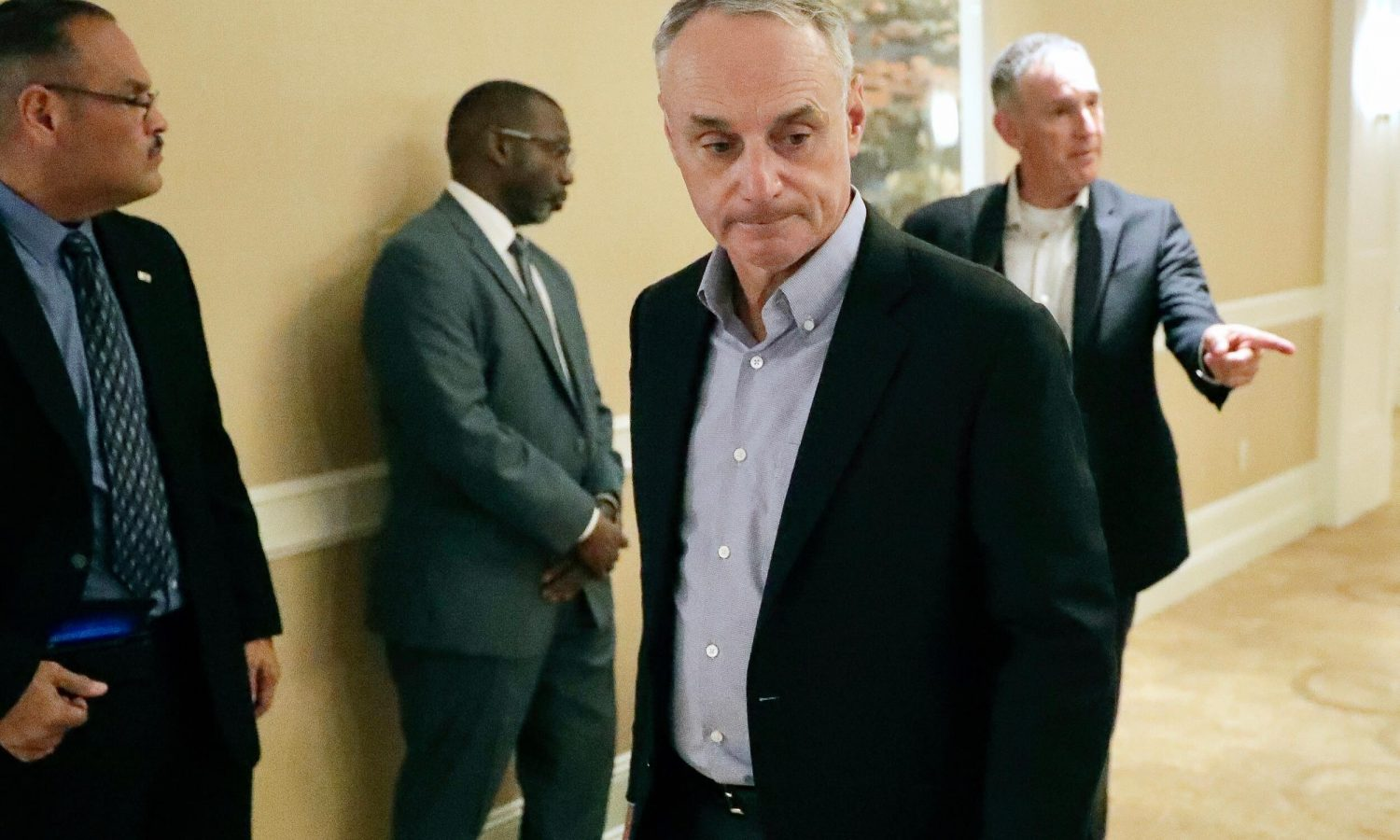 Photo of Rob Manfred says he, Tony Clark have 'jointly developed framework' for MLB season