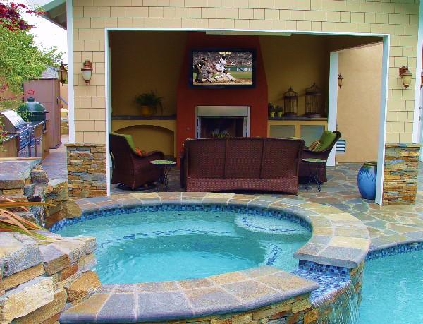 outdoor tv and outdoor speakers