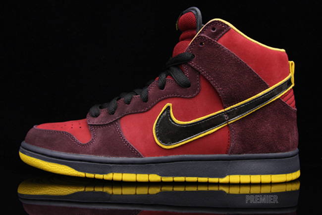 ... Nike SB Dunk Hi Premium Iron Man Team Red black yellow ...