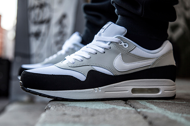 air max 1 black white grey