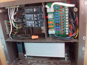 Trailer12v120v works all lights etc but disconnect and batt power