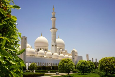 The iconic Sheikh Zayed Grand Mosque in Abu Dhabi