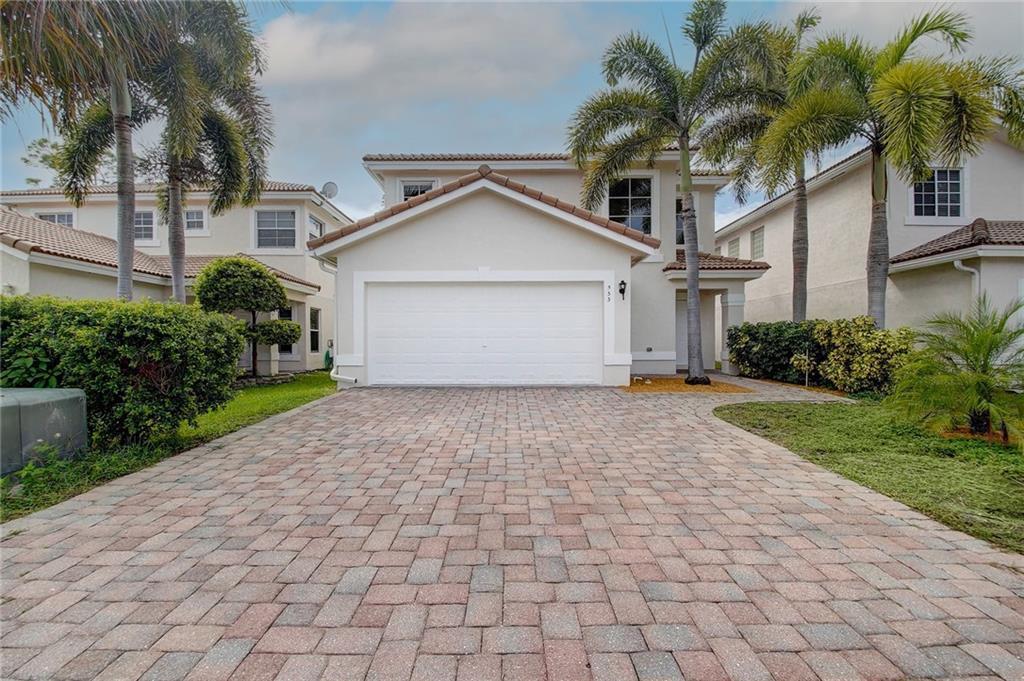 533 Alejandro Lane, West Palm Beach, FL 33413