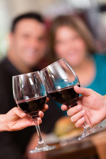 Bạn có thể cảm thấy ngạc nhiên khi biết thức uống có cồn gây ra một số loại ung thư