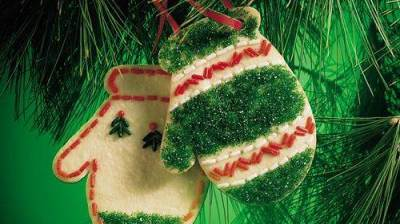 No-Bake Holiday Cookie Ornaments recipe from Betty Crocker