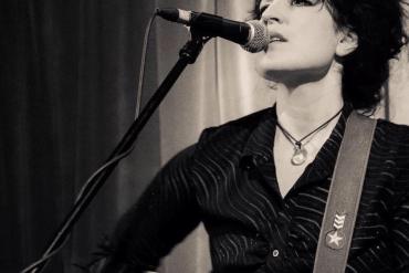 Christina Hutt