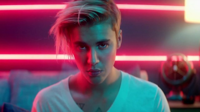 Bieber Continues To Confuse In 'What Do You Mean?'