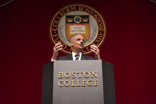 Former U.S. Attorney General Addresses Students in Small-Group Discussion