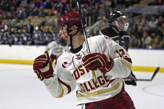 Men's Hockey Crushes Holy Cross, Improves to 15-1 at DCU Center
