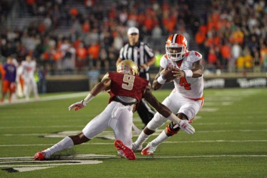 Notebook: Landry Stands Out, But Defensive Backs Struggle to Stop Watson & Co.
