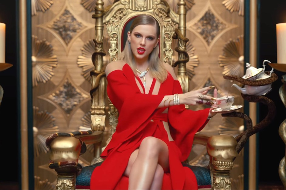 Taylor Swift Switches From Safe to Screw-You