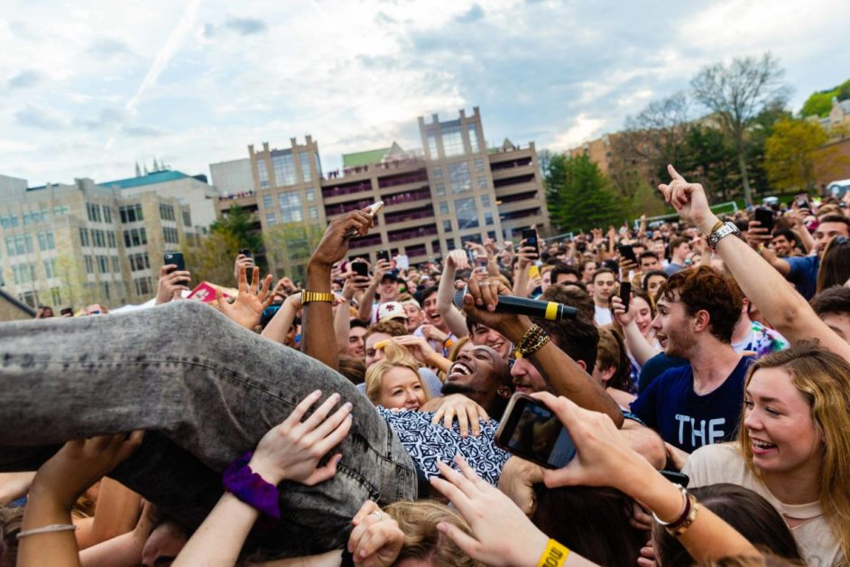 Amid Controversy, B.o.B Throws it Back at Modstock