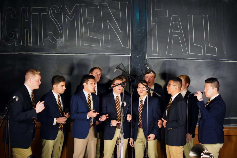 Heightsmen Perform Throwbacks, Love Songs at Fall Cafe