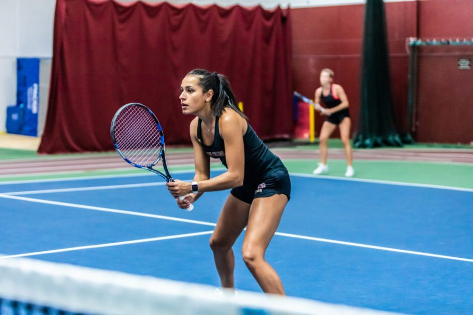 Women's Tennis Matches Last Year's Win Total With Victory Over Louisville