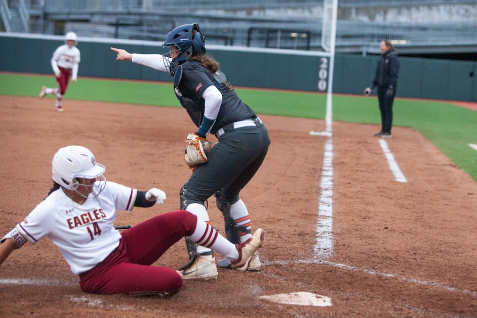 Eagles Top Syracuse With Martinez's Walk-Off Single
