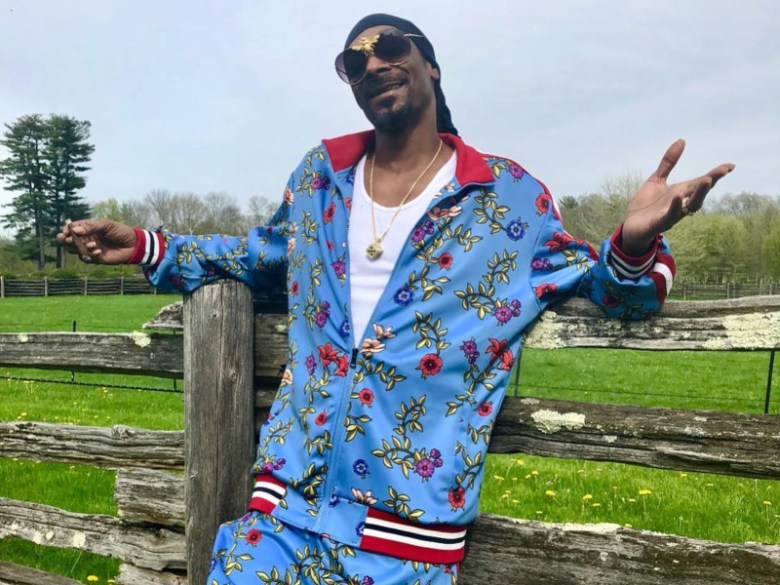 "Snoop Dogg Asks ""What Has Hip Hop Come To?"" While Addressing Woah Vicky Threats"