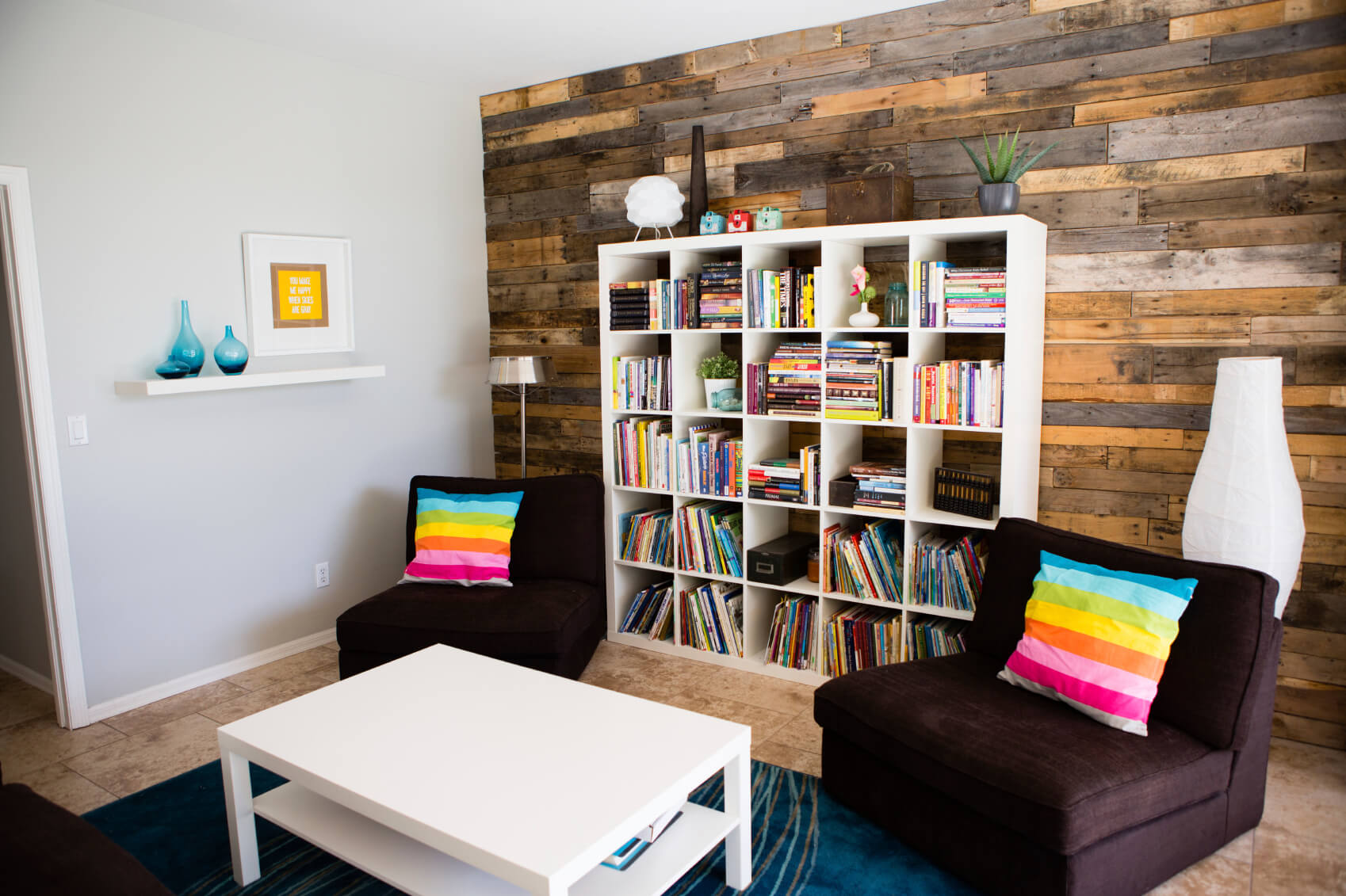 neat and tidy living room storage ideas