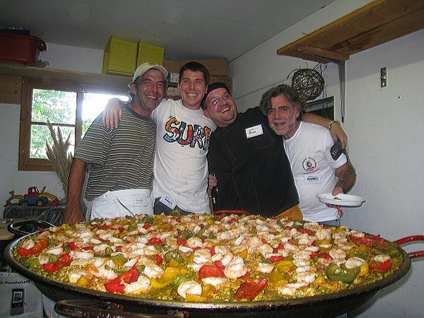 Roger, Fabian, Vince and Maurizio are preparing to feed the hungry
