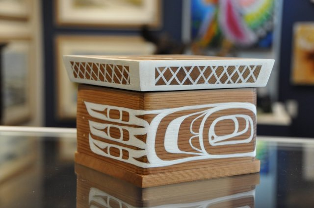 "Bentwood Box, ""White Raven"" by Peter Gong SPECIAL ONLINE PRICE 00009"