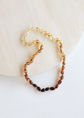 Canyon Leaf Amber Adult Necklace