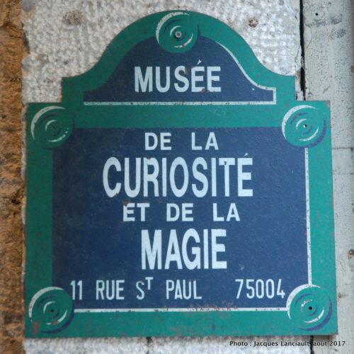 <i>Photo ci-dessus: La façade du Musée de la Magie et des Automates ne paie pas de mine, mais sa visite a été intéressante et amusante.</i>