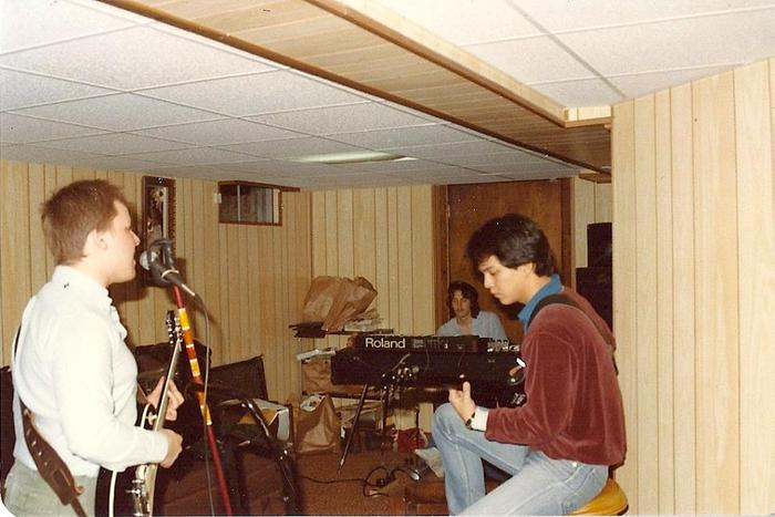 Pre-PIXIES basement rehearsals...