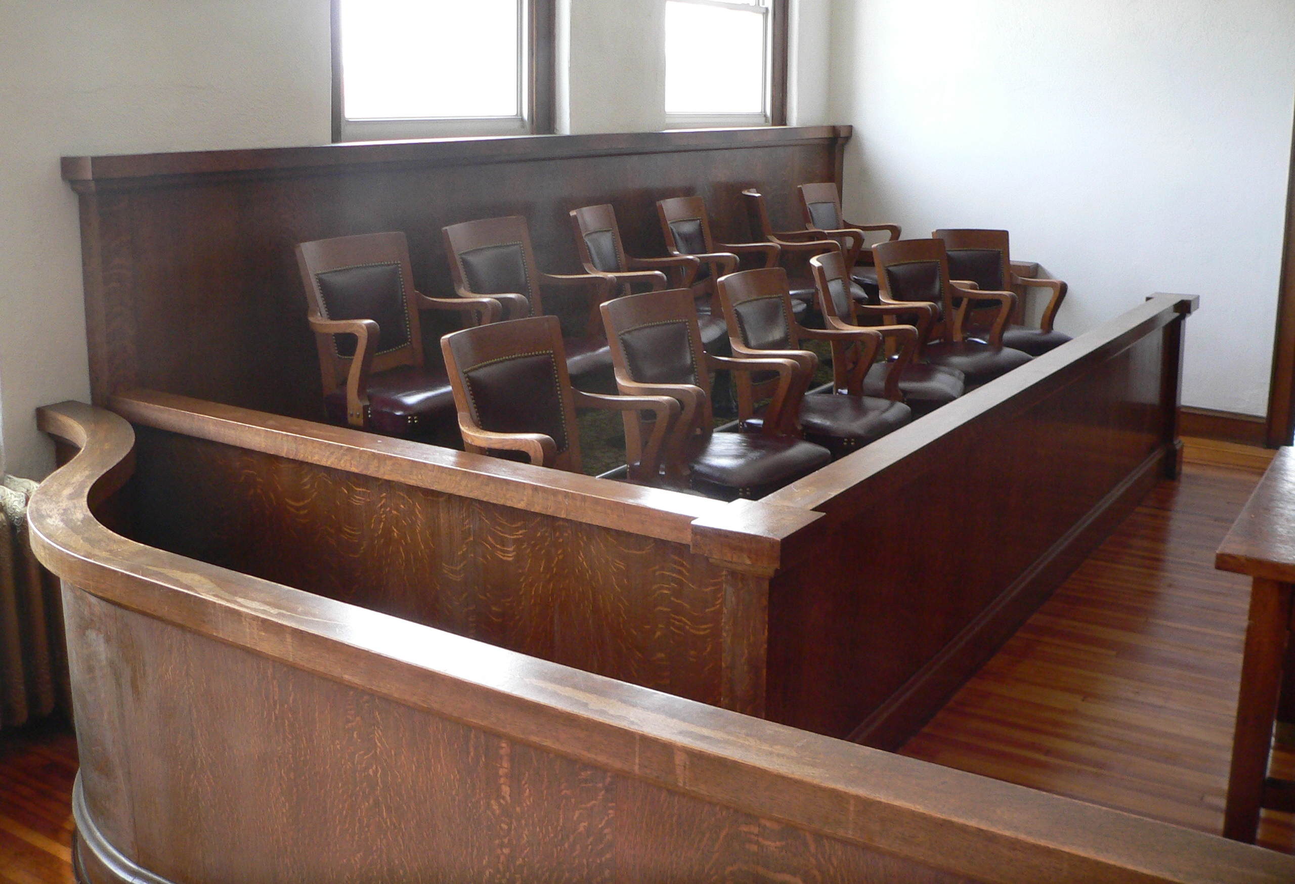 Webster_County,_Nebraska_courthouse_courtroom_3