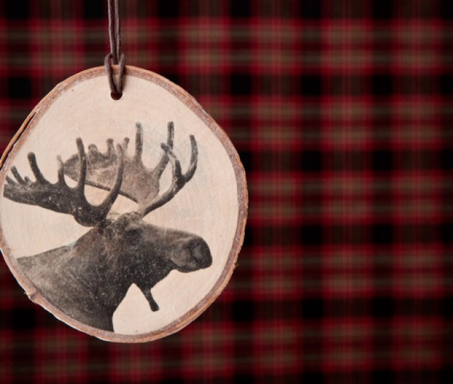 How To Transform Your Photos Into Rustic Wooden Ornaments Man Made Diy Crafts For Men