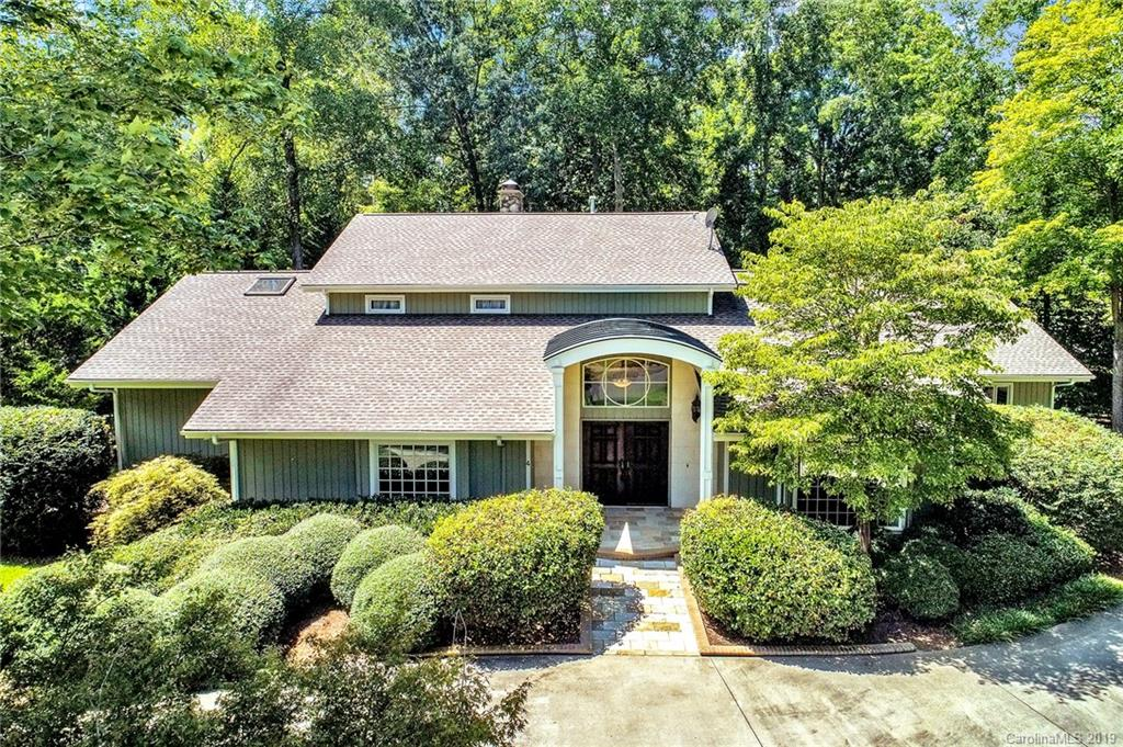 Property for sale at 4 Sunrise Point Court, Lake Wylie,  South Carolina 29710