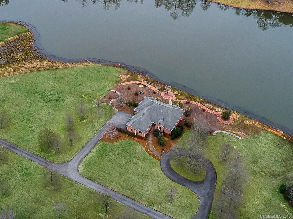 Property for sale at 123 Jamestowne Circle, Clover,  South Carolina 29710
