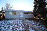Main Photo: 5615 101A Avenue in Edmonton: Zone 19 House for sale : MLS® # E4091234