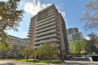 Main Photo: 601 66 E High Street in Mississauga: Port Credit Condo for sale : MLS®# W4272271