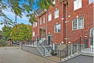Main Photo: Th24 36 Rusholme Park Crescent in Toronto: Little Portugal Condo for sale (Toronto C01)  : MLS®# C4289423