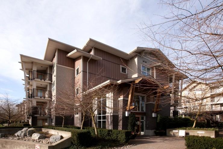 "Main Photo: 211 5665 IRMIN Street in Burnaby: Metrotown Condo for sale in ""MacPherson Walk West"" (Burnaby South)  : MLS® # R2238124"