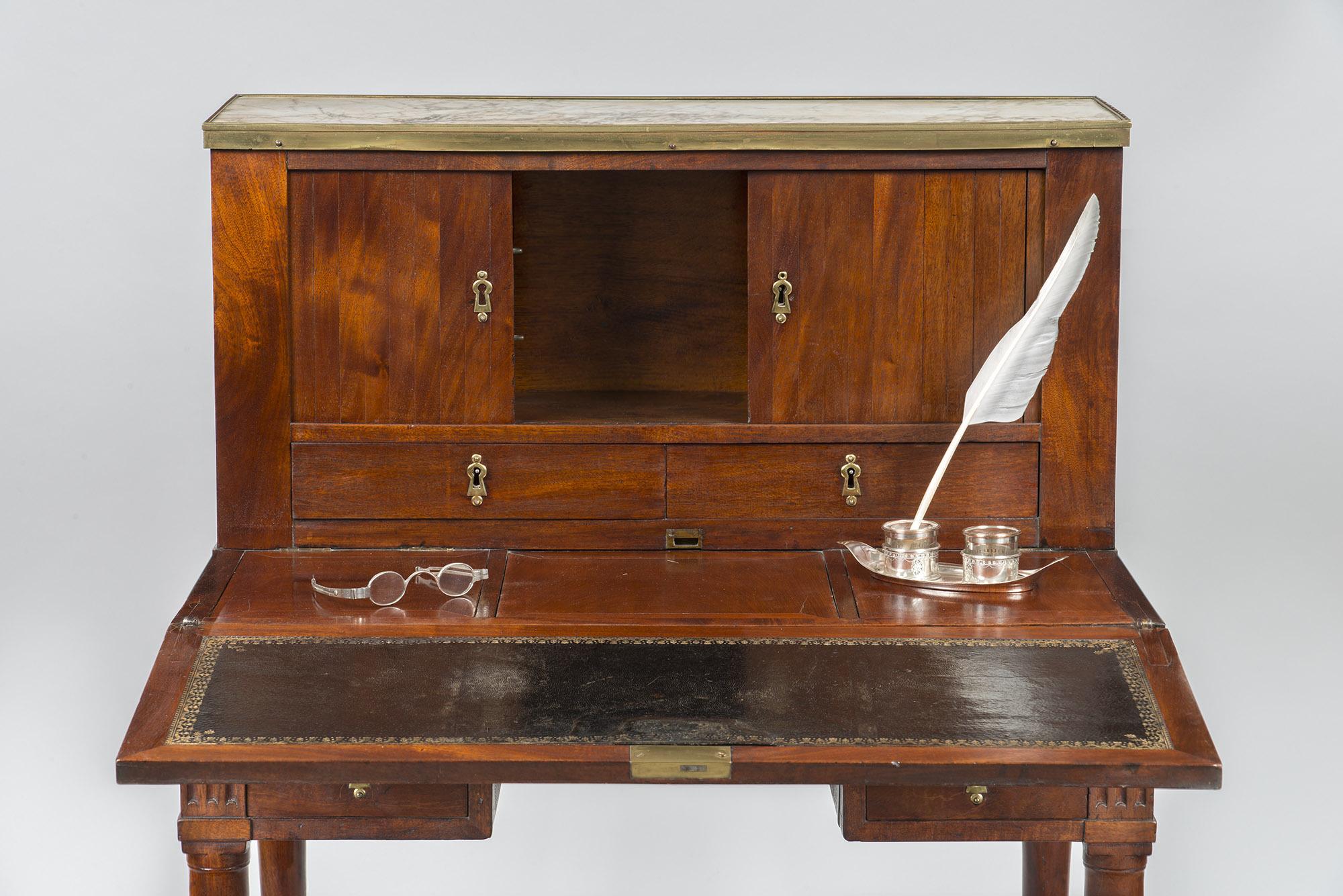 Lady S Writing Table George Washington S Mount Vernon