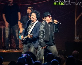 Toto - 2019-10-04 Chicago Theatre - Chicago, IL. (Photo by Bradley Todd - All Rights Reserved)