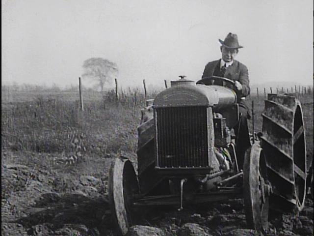 https://i2.wp.com/s3.amazonaws.com/nfpf-videos/fordson-tractors-1918-image-normal.jpg