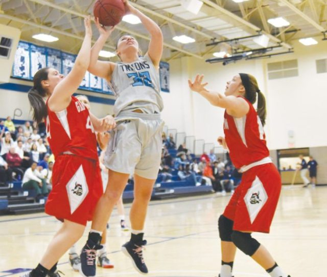 Turnovers Too Much For Ic Women To Overcome News Sports Jobs Messenger News