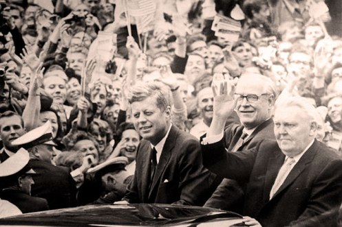 JFK arrives in Frankfurt - and with him, optimism.