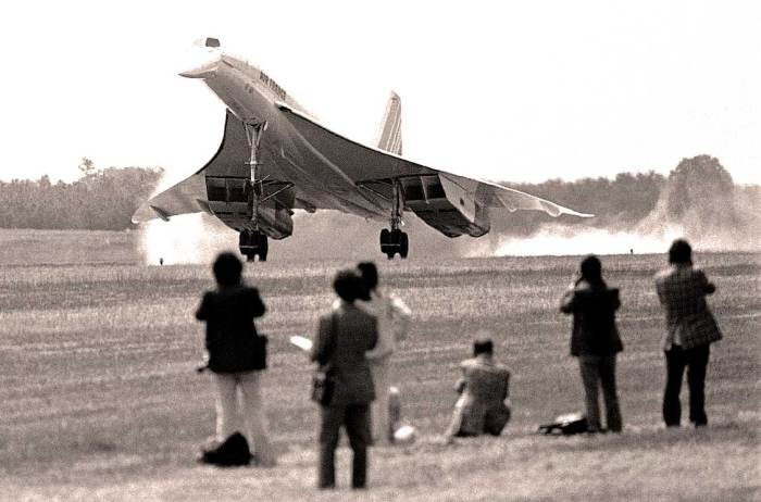 January 21, 1976 - Concorde takes off - there goes the neighborhood.