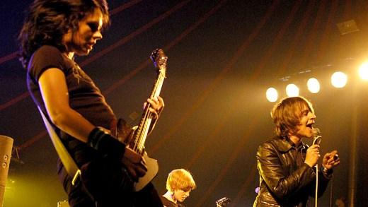 Ikara Colt - live at Lowlands 2002