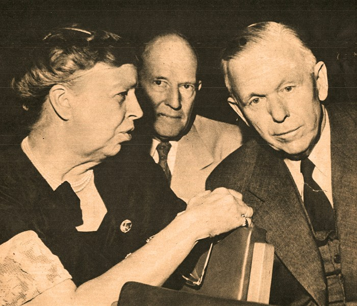 Eleanor Roosevelt with George C. Marshall0 1947
