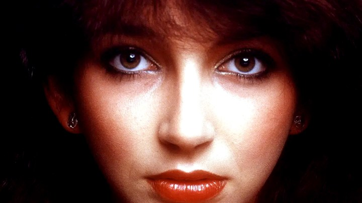 Kate Bush - Live at The Mmanchester Apollo - 1979