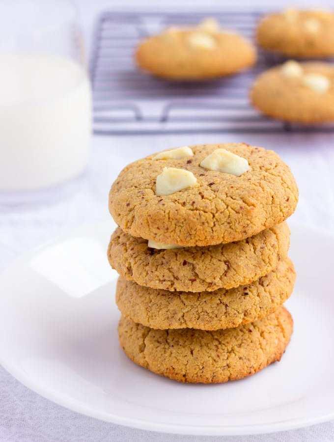 Almond Flour & Peanut Butter Protein Cookies