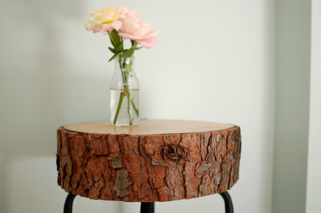 DIY Log Slice Table  via oreeko.com