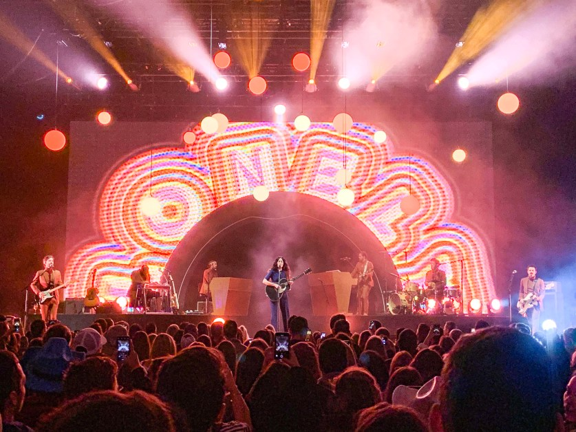 Musgraves Channels Psychedelic Sound at Boston Show